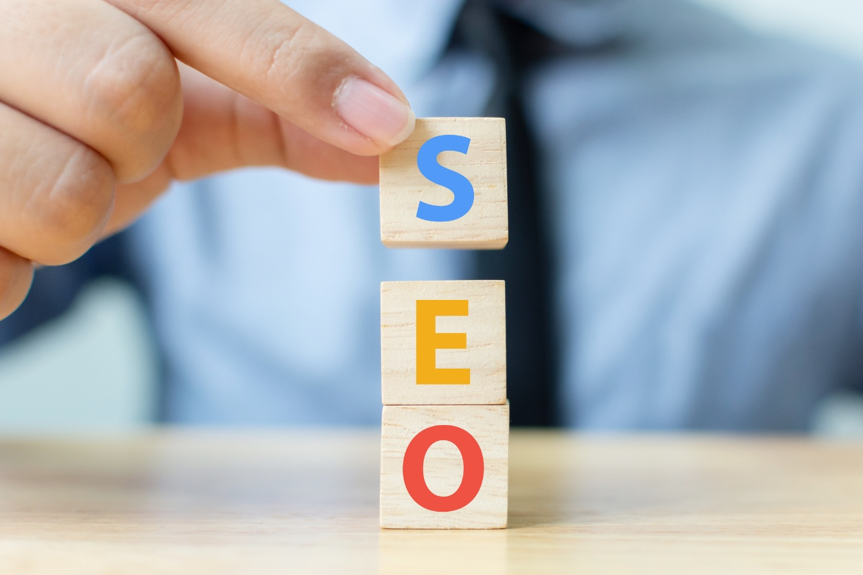 Scrivere per vendere: le tecniche SEO per ecommerce per migliorare il tuo posizionamento